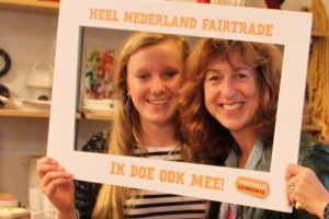 "Monique Witkamp (r) - slogan winnaar ""Wat goed is, komt van Fair!"""